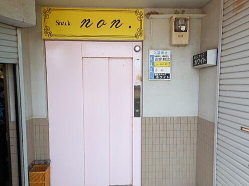 店舗(建物全部)-遠賀郡芦屋町正門町 スーパー、コンビニ徒歩10分圏内の便利な立地です。