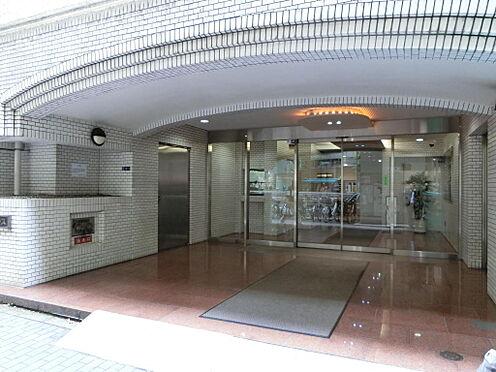 マンション(建物一部)-中央区日本橋箱崎町 綺麗に管理されたエントランスアプローチです。