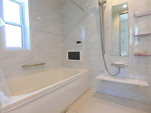 戸建賃貸-八王子市松木 テレビ付き浴室です