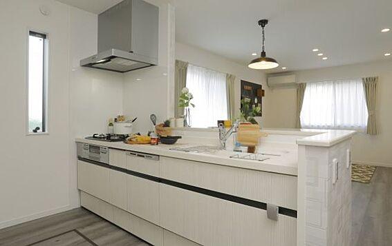 戸建賃貸-岡崎市上里2丁目 キッチン【施工例】新しいキッチンは食事の支度が捗りますよね!