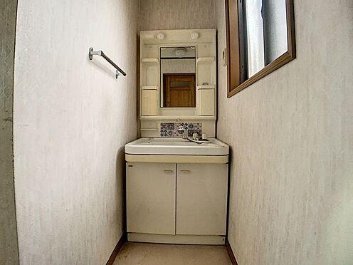 中古一戸建て-豊田市前林町桜田 洗面台には収納もございますので、ヘアケア用品等もしまっていただけます。