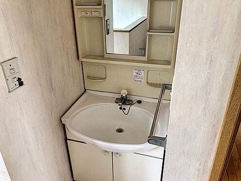 中古一戸建て-豊田市志賀町下番戸 こちらのお家は2階にも洗面台がございます!階段を降りずともここで身だしなみチェックや手洗いができちゃいます。