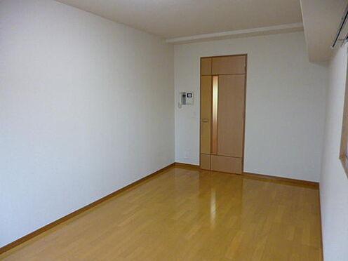 マンション(建物一部)-港区西麻布2丁目 約6.7帖のフローリングのお部屋です。