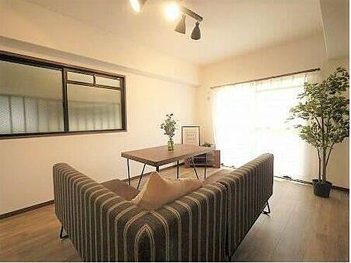 マンション(建物一部)-北九州市小倉北区高峰町 各部屋照明もついてきます♪脚立に乗って設置する手間もないですね。