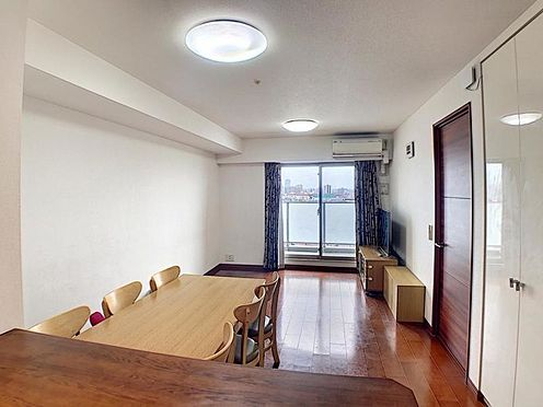 区分マンション-名古屋市西区稲生町字杁先 オープンでのびやかな空間を生み出す、こだわりの広がりとゆとり。家族と過ごす時間を大切にしたい方にぴったりの明るくゆとりある住空間です。