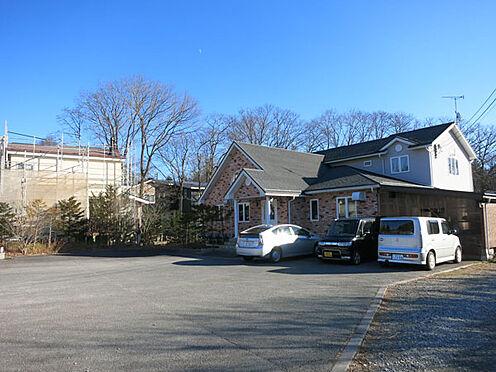 店舗付住宅(建物全部)-北佐久郡軽井沢町大字長倉 駐車スペースもゆったりと確保されて気軽に来店いただけます。