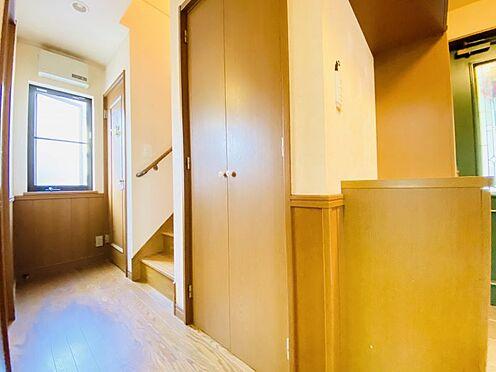 中古一戸建て-大野城市つつじケ丘6丁目 玄関横の収納には、掃除用品やストック品の収納がお勧めです!
