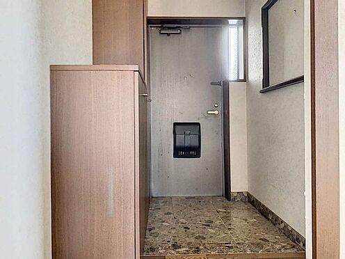 中古マンション-刈谷市小山町1丁目 広々とした玄関!収納付きなので靴の整理整頓に便利ですね!