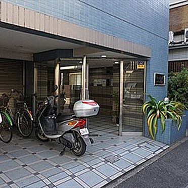 マンション(建物一部)-横浜市鶴見区生麦3丁目 入口です。