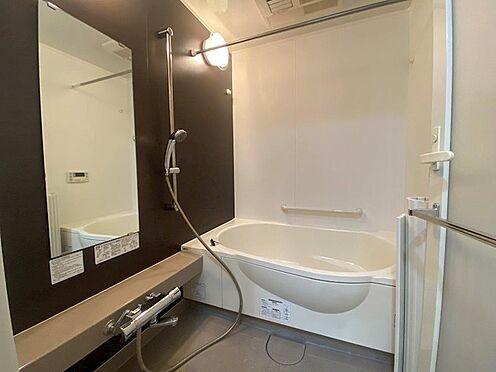 中古マンション-八王子市松木 設備充実の1418サイズの浴室です