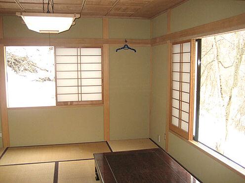 中古一戸建て-北佐久郡軽井沢町大字長倉 リフォーム済で綺麗な和室。他に、外装や屋根も平成19年に一緒にリフォーム