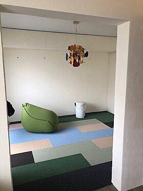 中古マンション-八王子市別所2丁目 北側洋室の壁をリフォーム(漆喰)※令和2年3月1日完了