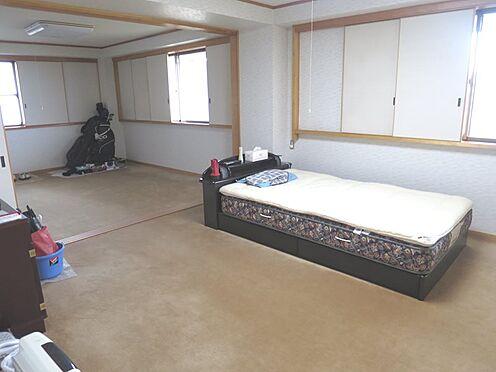 中古一戸建て-熱海市上多賀 1階洋室8帖及び6帖のお部屋です。基礎部分のお部屋です。