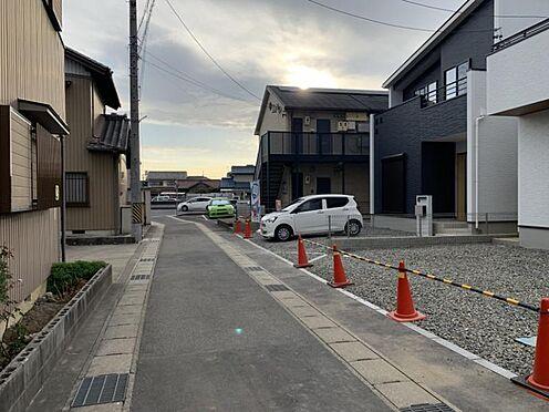 新築一戸建て-安城市今本町2丁目 敷地形状や隣地の状況、日当たりなどを考慮し、最適な間取り、デザインを提供しています。