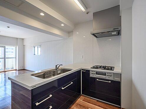 中古マンション-品川区八潮5丁目 背面に冷蔵庫を置けますので見た目もすっきりします。