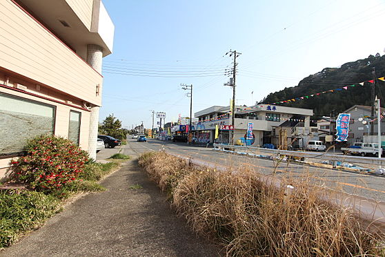 住宅付店舗(建物全部)-長生郡一宮町東浪見 前面道路と南側方向