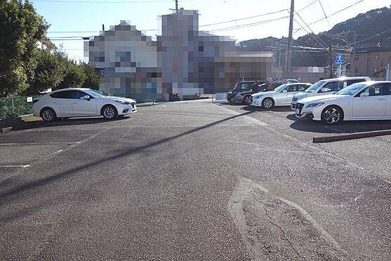 アパート-伊東市宇佐美 敷地内の月極め駐車場部分(15台可)