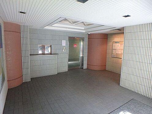 マンション(建物一部)-大阪市淀川区野中南1丁目 キレイに清掃されたエントランス。