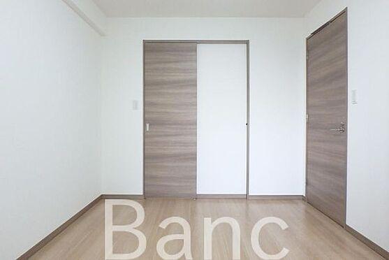 中古マンション-足立区南花畑3丁目 明るく子供部屋としてもお使いいただけるお部屋です。