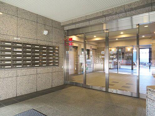 中古マンション-盛岡市本宮2丁目 風除室 壁は御影石貼りの重厚感