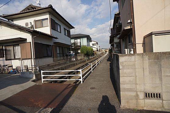 建物全部その他-岡山市中区湊 ◆東側物件の前面道路の写真です♪