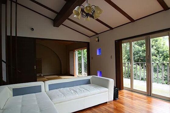 中古一戸建て-熱海市伊豆山 海は見えませんが伊豆山の自然に包まれた居心地の良い空間です。