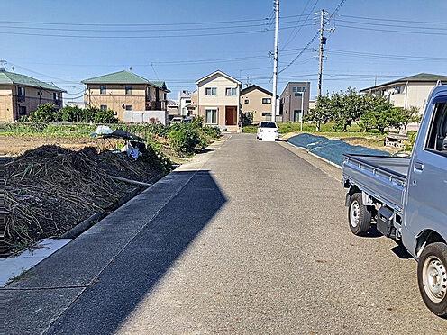 新築一戸建て-名古屋市守山区大字下志段味字西新外 間口も約8.8mで毎日の駐車も安心。