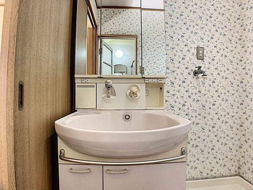 中古一戸建て-名古屋市守山区大屋敷 三面鏡で使い勝手のいい洗面台