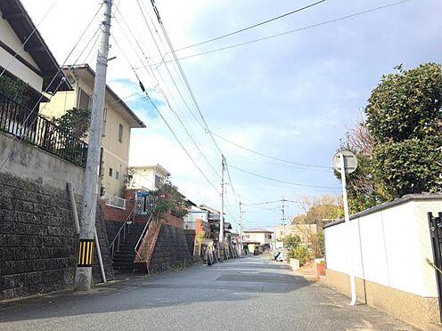 中古一戸建て-福岡市早良区野芥5丁目 前面道路西側です。