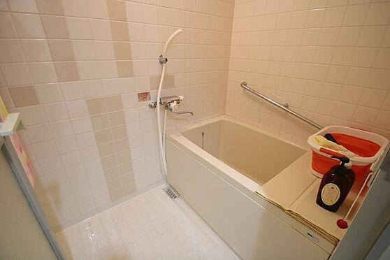 リゾートマンション-熱海市熱海 あまり利用されていないのか、綺麗な浴室。