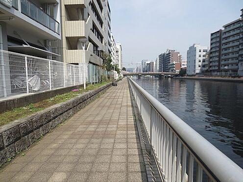 区分マンション-港区芝浦2丁目 マンション東側は、遊歩道があり運河があります