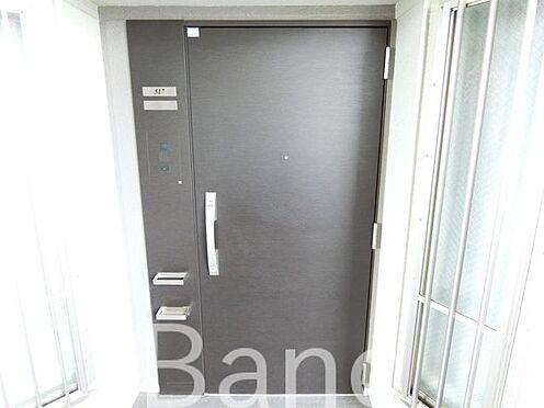 中古マンション-足立区千住元町 戸締り忘れずに、玄関です。
