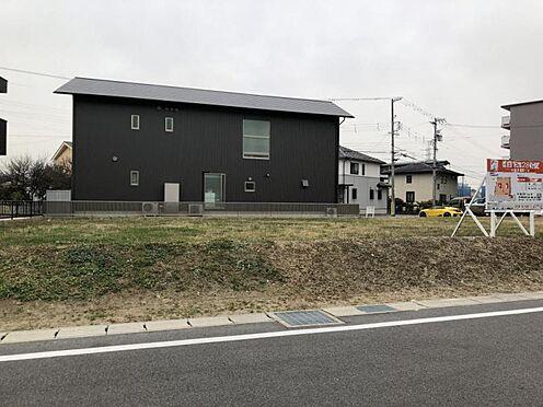 土地-豊田市花園町 間口広々約10m以上で駐車場も広く取れます!