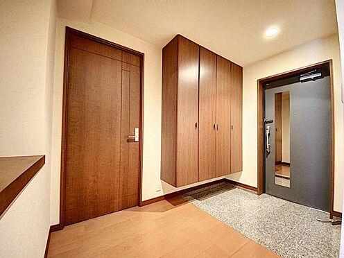 区分マンション-福岡市城南区別府4丁目 収納豊富で広々とした玄関です♪