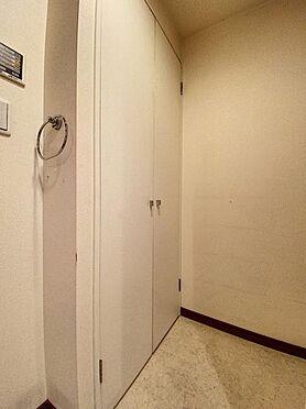 区分マンション-福岡市城南区別府4丁目 洗面室にも大きな収納ございます♪