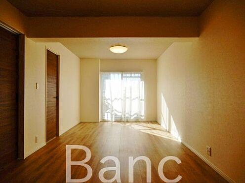 中古マンション-江東区辰巳1丁目 広々としたリビングルームです。