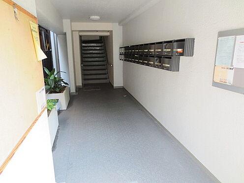 マンション(建物一部)-神戸市兵庫区三川口町2丁目 綺麗に清掃されたエントランス。