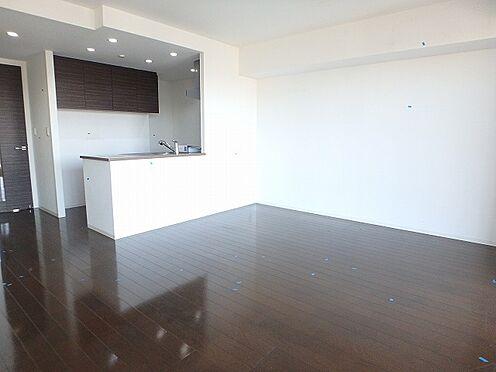 マンション(建物一部)-横浜市西区東久保町 居間