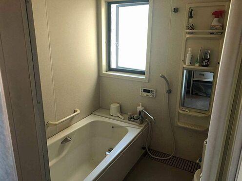 中古一戸建て-名古屋市名東区引山1丁目 2階浴室 浴室に窓があり明るく、換気もできます