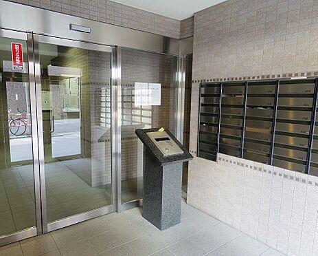 マンション(建物一部)-大阪市西区本田4丁目 防犯性に配慮されたエントランス