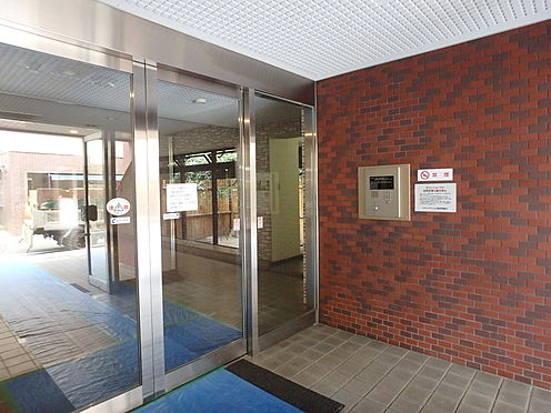 中古マンション-福岡市早良区高取1丁目 住まう方、訪れる方を上品に迎えるエントランス