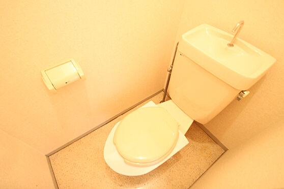 アパート-土浦市湖北1丁目 清潔感のあるトイレ。