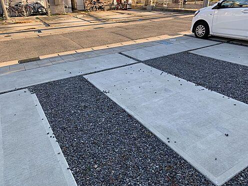 中古一戸建て-豊田市鴛鴨町下高根 並列2台でお停めいただけます。