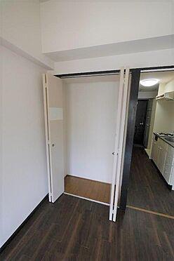 マンション(建物一部)-北九州市八幡西区陣原2丁目 造り付けだと余分な家具を置かなくて良いので、お部屋がすっきりして広く使えます。