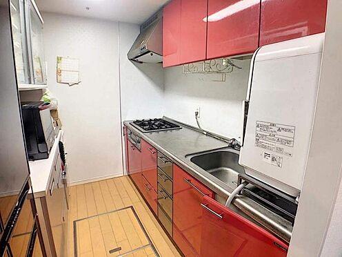 中古マンション-名古屋市緑区有松町大字桶狭間字生山 3口コンロ付のシステムキッチン!お料理の効率も上がりますね