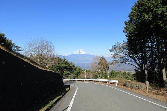 中古一戸建て-伊豆の国市奈古谷 小松ケ原別荘地へ向かう途中に富士山が見えたりと、ドライブを楽しみながら別宅へいけます。