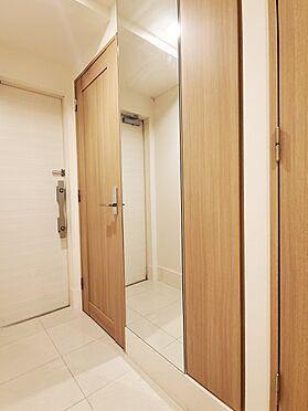 区分マンション-新宿区西新宿8丁目 玄関収納 家具、備品は販売価格に含まれません。