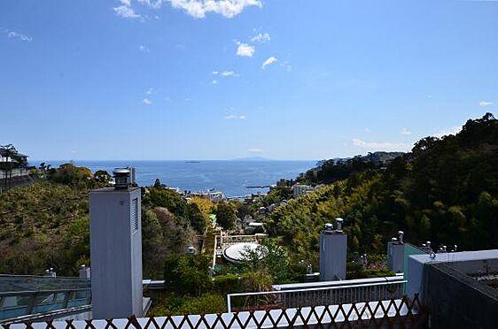 リゾートマンション-熱海市熱海 眺望です。初島、伊豆大島を正面に望み、海上花火大会も見れます。