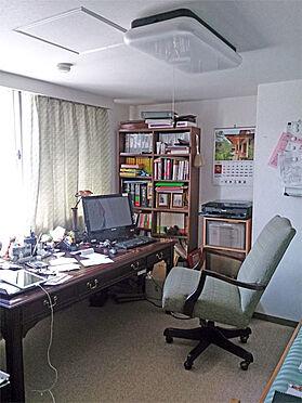 中古マンション-伊東市鎌田 洋室を書斎として利用されております。