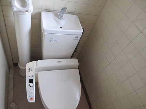 中古マンション-多摩市豊ヶ丘3丁目 窓付きトイレ